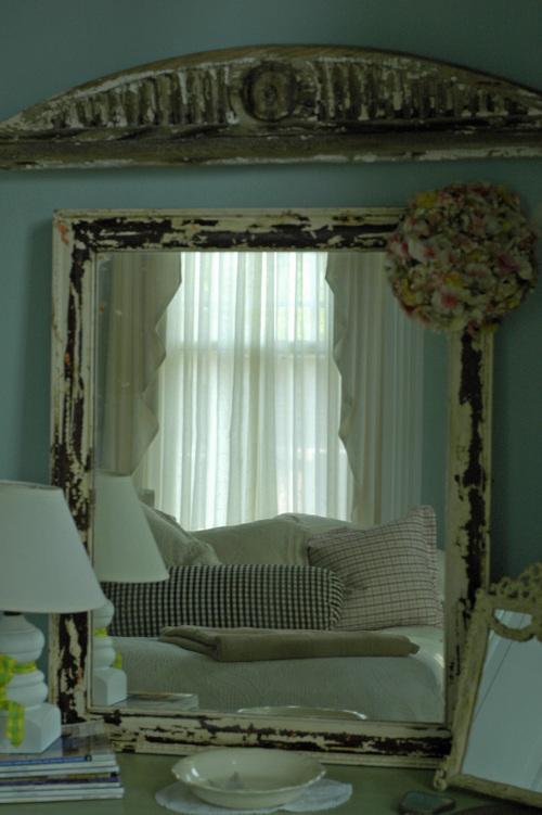 Guest_room_mirror